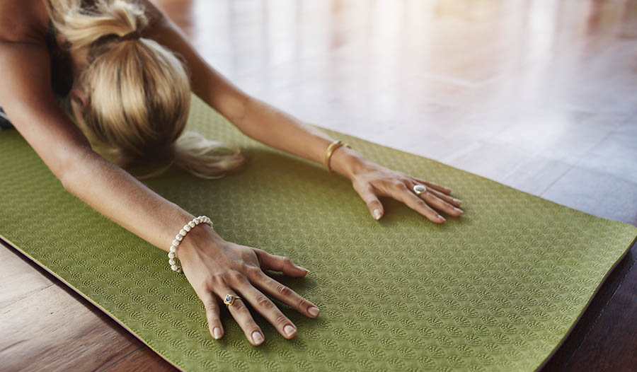 Try This Simple Homemade Yoga Mat Cleaner Spray